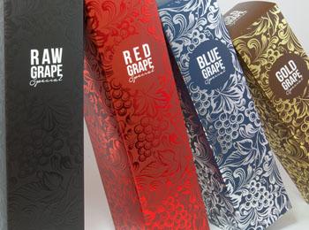 Detalle de caja portabotellas con estampado digital y barniz digital en 3D- packaging premium - impreso por Truyol Digital