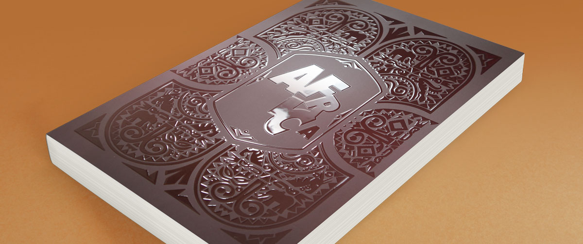 Letras de la portada de un libro con barniz digital 3D - Truyol Digital