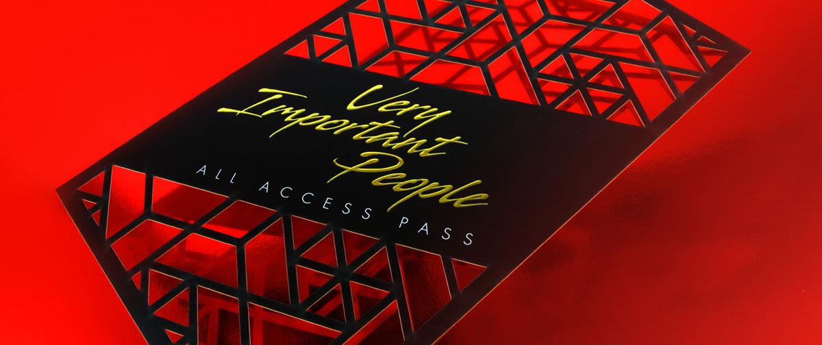 Invitacion realizada con troquel láser HD - pase para un evento - invitación premium - Truyol Digital